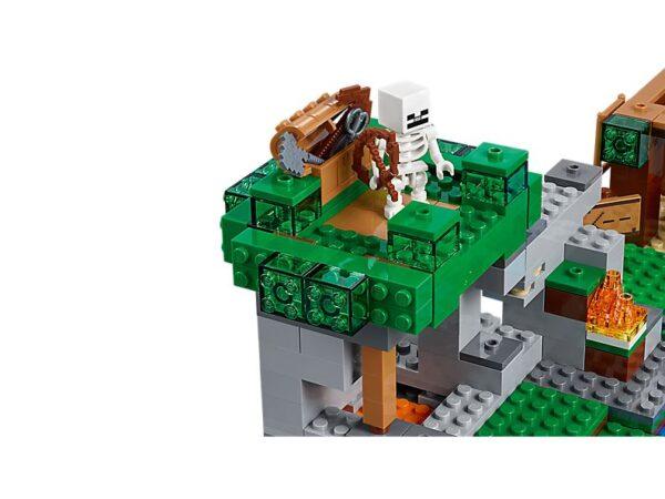 Lego The Skeleton Attack-1750