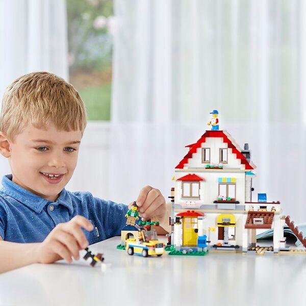 Lego Modular Family Villa-1851