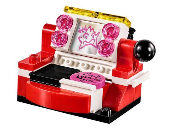 Lego Harley Quinn Dorm