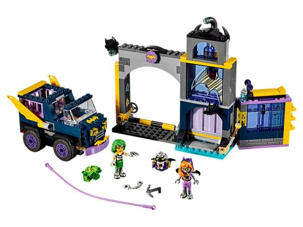 Lego Batgirl Secret Bunker-0