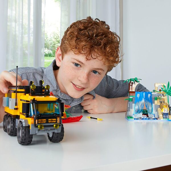 Lego Jungle Mobile Lab