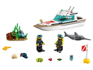 Lego Diving Yacht-0