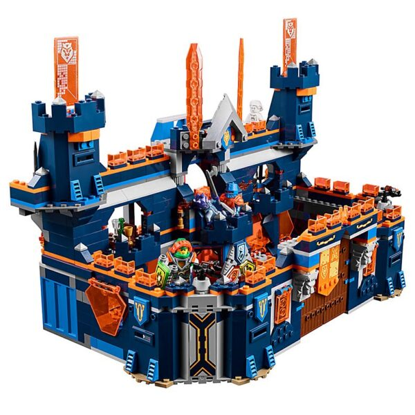 Lego Knighton Castle