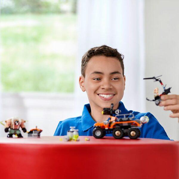 Lego Bane Toxic Truck Attack-3014