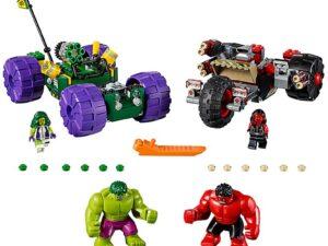 Lego Hulk vs. Red Hulk-0