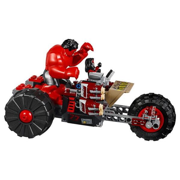 Lego Hulk vs. Red Hulk-3369