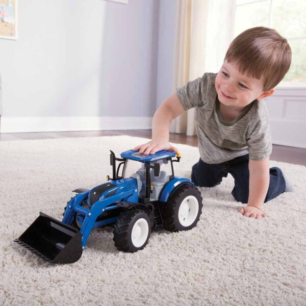 Tomy Toys New Holland T7.270 Tractor-5440