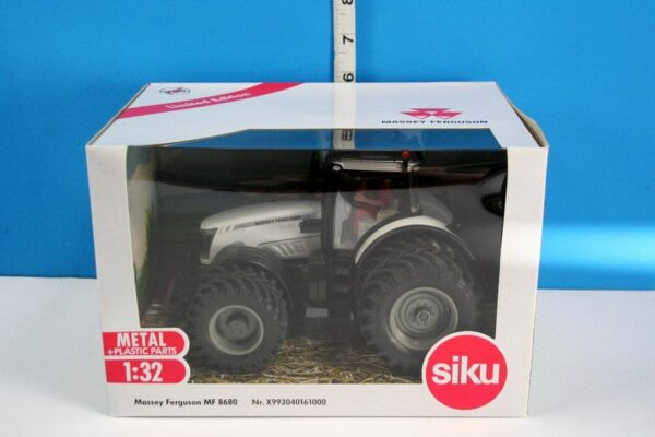 Siku LTD Edition Massey Ferguson