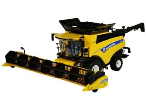 Britains 1:32 New Holland Combine CR9.90