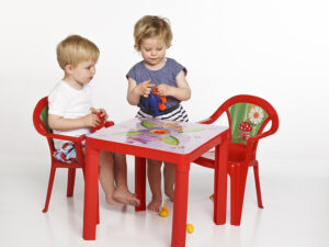 Kids Table – Red