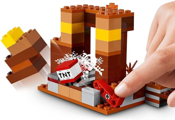 LEGO 21167 Minecraft The Trading Post Building Set